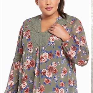 Torrid Floral Green Blouse with Cami XL